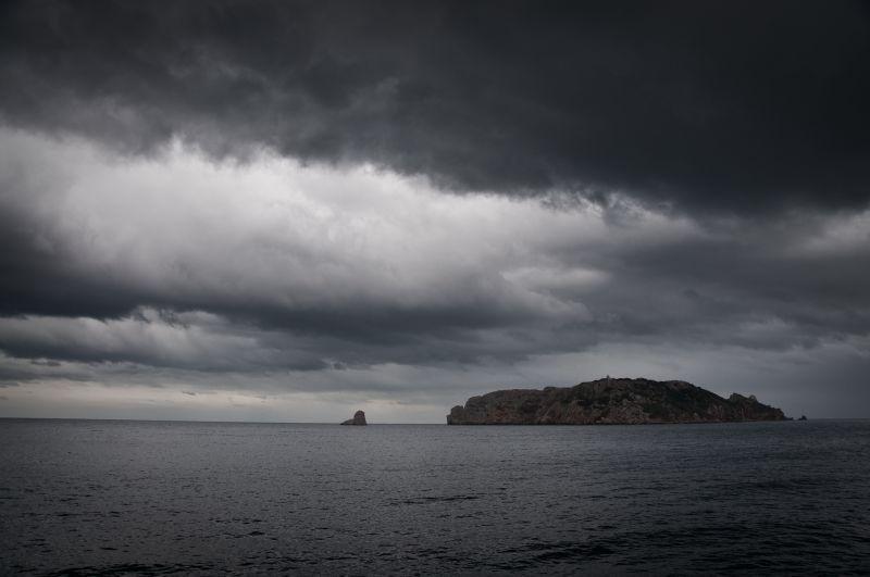 Fred i núvols a les Medes, l'Estartit - Frío y nubes en las Medes, l'Estartit