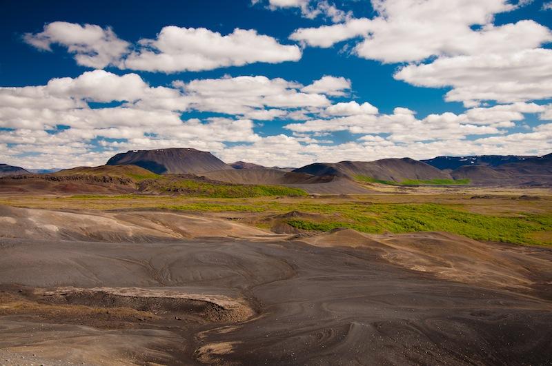 Mirant cap al sud des del cràter del Hverfjall, Llac Myvatn, Islàndia - Mirando hacia el sur desde el cráter del Hverfjall, Lago Myvatn, Islandia